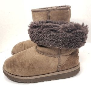 UGG Classic Short Suede Brown Boots Size 5 Women's